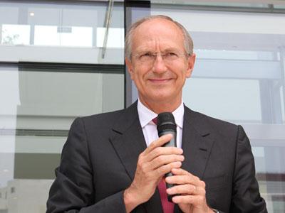 让·保罗·安巩(Jean-Paul Agon)  欧莱雅集团的董事长兼首席执行官               中国是推动世界创新发展的主要动力。